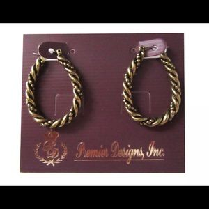 ❤️❤️Premier Simple Twist Earrings
